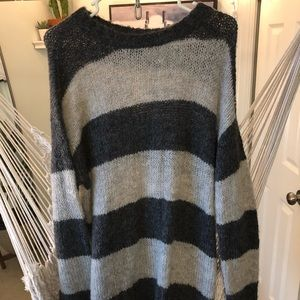 AE sweater size M